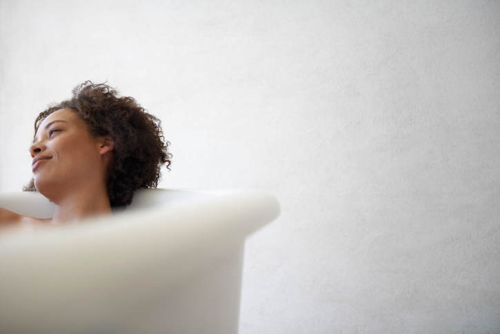 woman-in-bathtub