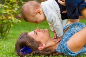 mother-and-baby-playing