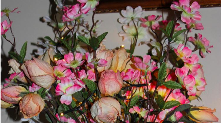 Create An Elegant Lighted Floral Centerpiece