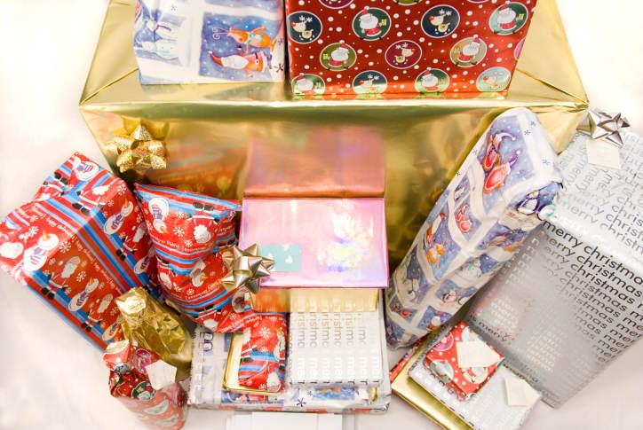 christmas, holidays, celebrating, power of habit, spending money, create memories, midlife, midlife women, featured