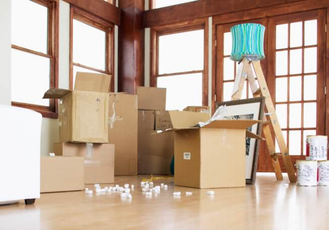 family home, selling your home, moving away, growing older, elderly parents, packing, midlife, midlife women
