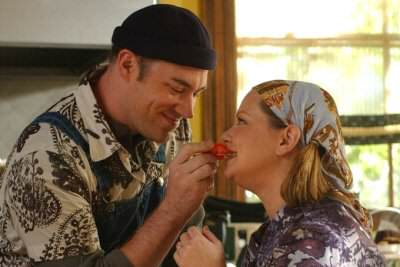 Melissa McCarthy (Sookie) with boyfriend Jackson (Jackson Douglas) on the Gilmore Girls