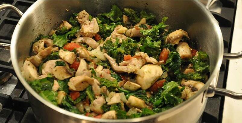 One Pot Chicken and Kale – Easy to Make in Just 15 Minutes!