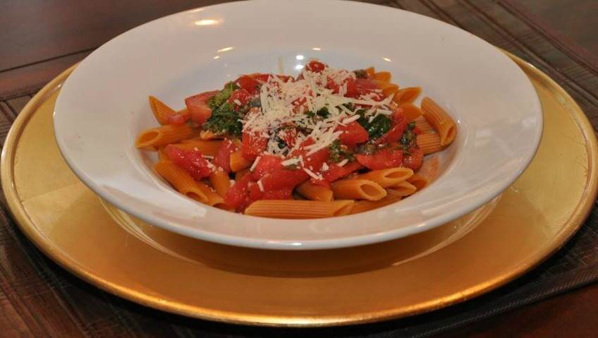No-Cook Pasta Sauce – Easy and Quick!