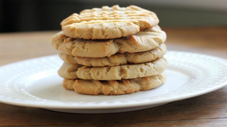 Super Simple Peanut Butter Cookies
