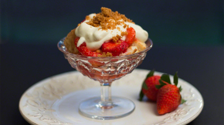 Strawberry Cheesecake Trifle Recipe
