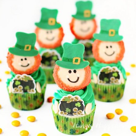 St. Patrick's Day cupcake recipes. #GreenCupcakes #GreenCupcakesIdeas #GreenCupcakesStPattys #StPatricksDayFood #StPatricksDayCupcakesForKids